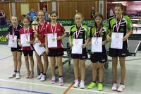 Vivien Habel, Lea Weißenfels und Caroline Egghart (von rechts nach links) bei der Siegerehrung der Schülerinnen