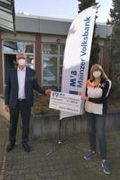 Spendenübergabe bei der Mainzer Volksbank